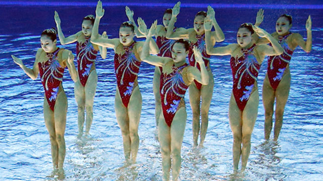 ap_synchronized_swimmers_flipped_lt_digital_event_feffe_kaufmann_longtail_wmain